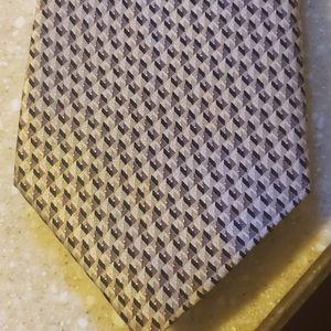 100% silk Arrow tie 👔